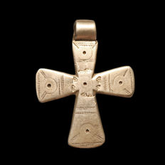 Viking Silver Cross with Punched and Engraved Decoration, 5.9 cm L  (including loop) - Silver 13 grams