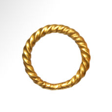 Viking Solid Gold Ring,  2 cm inside D / Gold, 9 grms