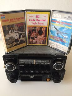 Back to the 70s:  Classic Philips 361 Radio and Philips 060 Stereo Cassette-player