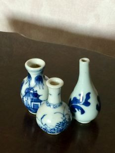 3 small porcelain dolls house vases - China - 18th, 19th century