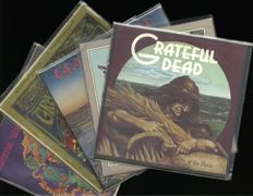 "Grateful dead lot of vinyl records including ""The Grateful Dead"", ""Anthem of the sun"", ""Wake of the flood"" and more"