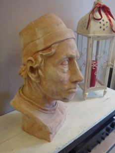 Beautiful bust of man in terracotta (very nice finish)
