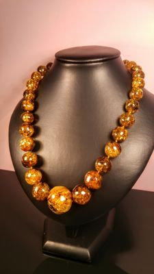 Green- Gold colour Genuine Baltic Amber necklace, length 51 cm, 61 grams