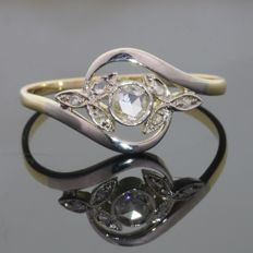 Graceful antique Belle Epoque ring with rose cut diamond anno 1910