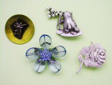 Wonderful and Amusing set of 4 Vintage American Brooches !