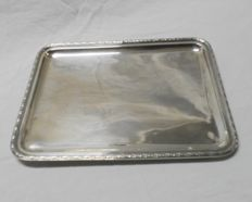 Smooth lines tray in silver