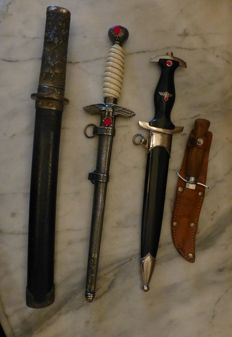 Collection of 4 daggers