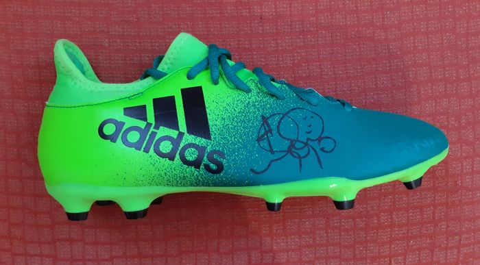 64014e93ea9 Marcelo Real Madrid Boot with Autograph + Photo proof - Catawiki