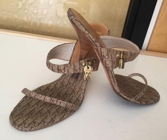 ce920ff37cc5d Christian Dior Sandals - Catawiki
