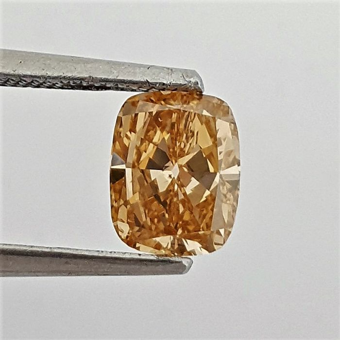 Diamond - 0.90 ct - Cushion - Fancy Brownish Yellowish Orange, Even - SI1