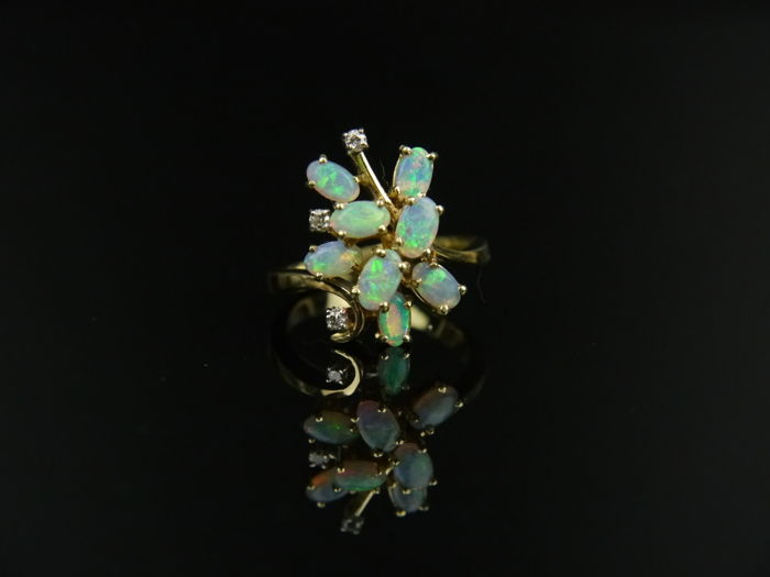 Vintage women's cluster gold ring with 8 opals & 3 diamonds 0.06 ct, 585 gold