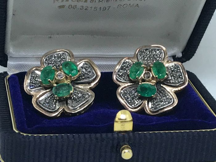 14 kt. Yellow gold - Earrings - 2.58 ct Emerald - Diamonds