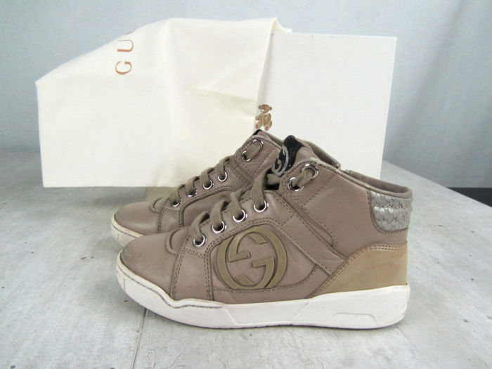 3a551aaad71 Gucci - Leather Hightop Sneakers - Unisex Size 27 - Catawiki