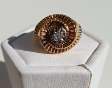No reserve price - spiral dome ring in yellow gold with a solitaire of 0.1 ct.