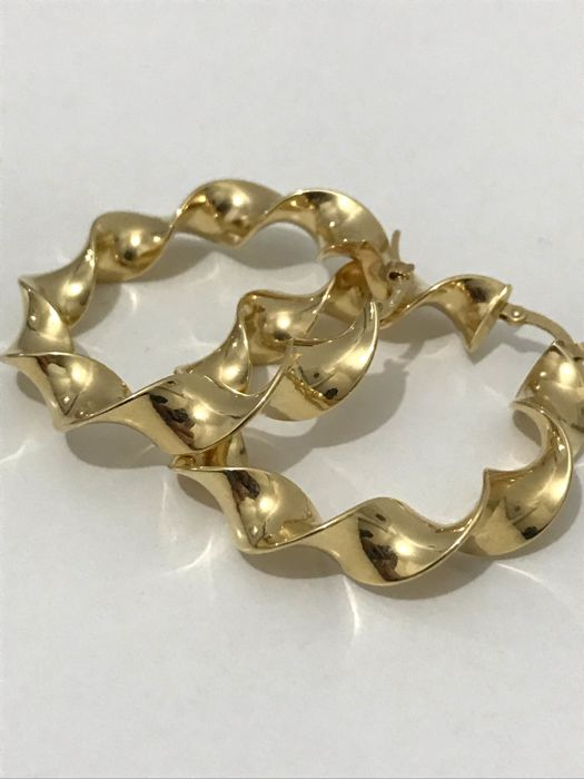 18 kt yellow gold hoop earrings 6.10 g