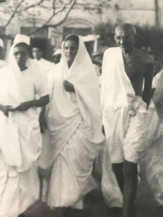 Unknown/Associated Press Photo - Ghandi on way to meeting, 1930