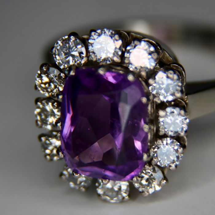Handcrafted White Gold ring with natural quality Amethyst 3.5Ct and 12 large brilliant cut diamonds G/VS1 0.96 Ct - Ring size: 19mm/58EU ( adjustable with surplus)
