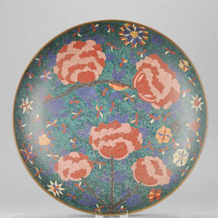 Bronze Cloisonne Serving Charger decorated with roses - Japan - 19th century (36,4 cm)