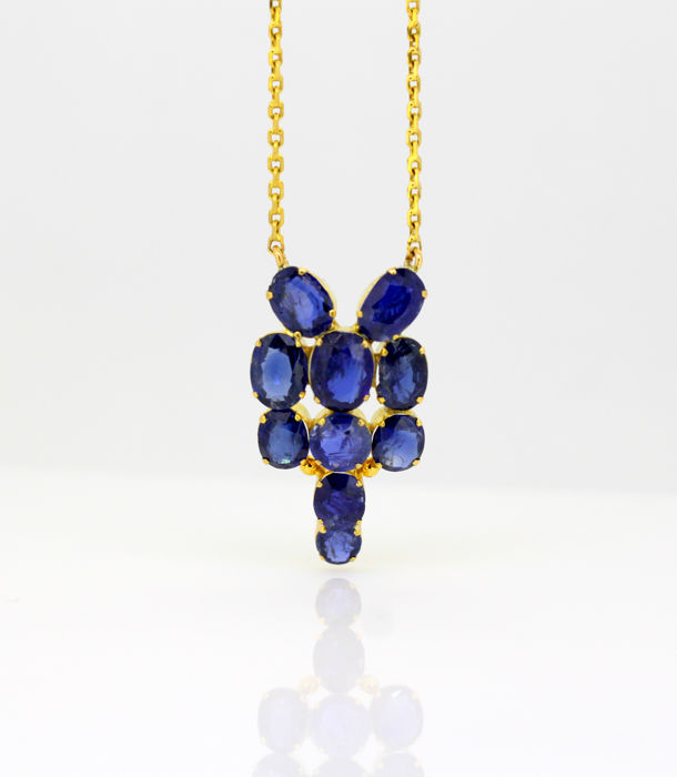 Vintage 18k gold ladies necklace - With natural blue sapphire