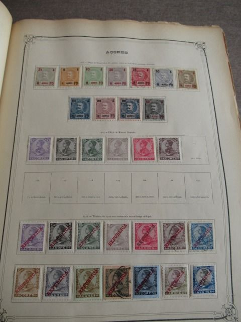 World Volume 2 - Stamp collection