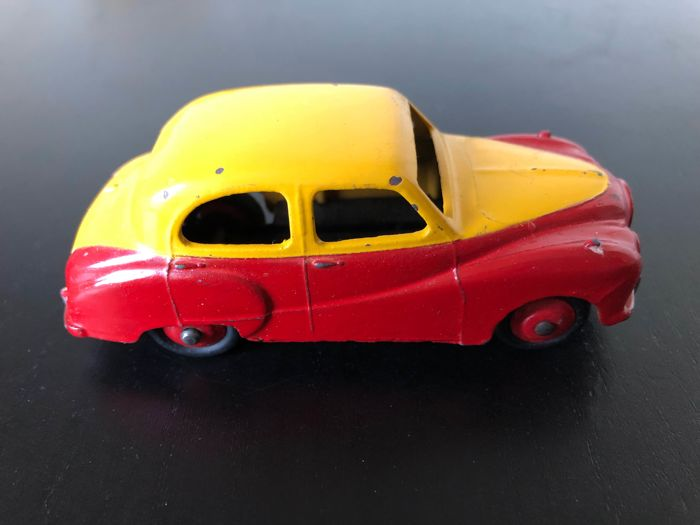 Dinky Toys 161 Austin Somerset Saloon Two Tone Yellow Red Rare
