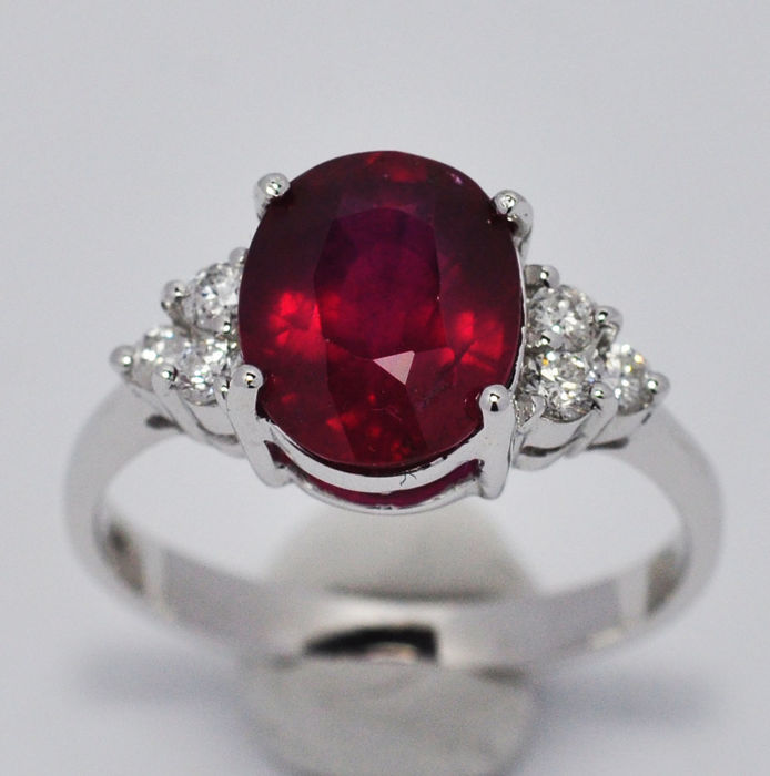 14 kt white gold ruby and diamonds ring - Ring size 14 (IT)  / 17.12 mm internal diameter - no reserve price