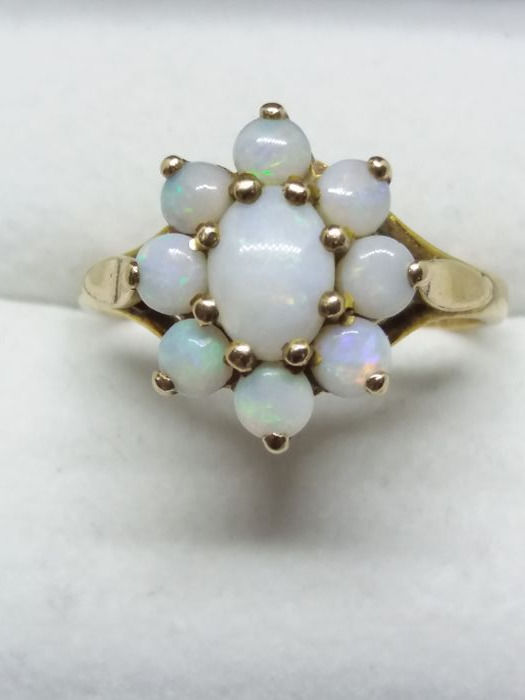 Vintage 9k/9ct Yellow Gold Oval Cut Natural Full Opal Cluster Cocktail Ring