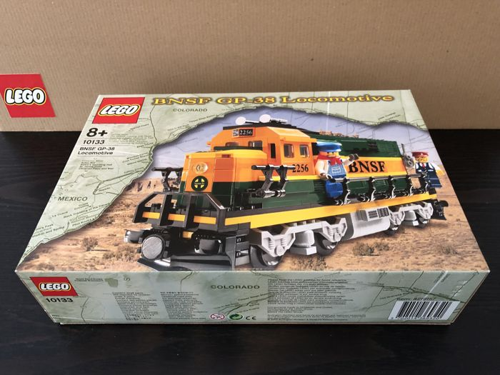 Step Met Licht : Lego v trains bnsf gp locomotive met motor en
