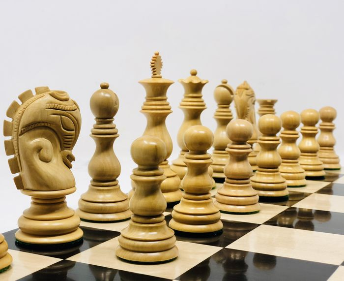 Marcel Duchamp - limited edition - chess pieces - wood - ebony