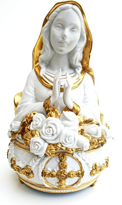 Franklin Mint - Extremely Rare Ave Maria Music Box - Made out of fine porcelain and 24 carat gold