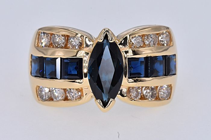 Ring - Gold - 3.54 ct - Sapphire and Diamond
