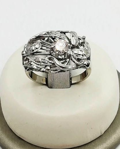 Women's ring in 18 kt white gold with brilliant cut diamonds, colour G/VS, totalling 0.35 ct - Size: 16 - Total weight: 3.69 g