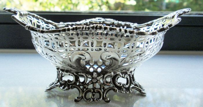 Victorian Chocolate dish -.925 silver - William Comyns & Sons, London - England - second half 19th century