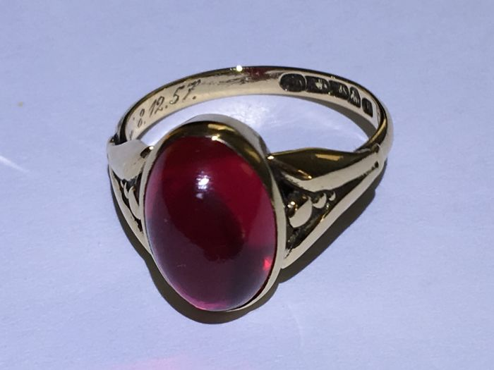14k gold ring (year 1950 V6) with a 3ct synthetic ruby, size 16,50mm/ 3,15g***no reserve