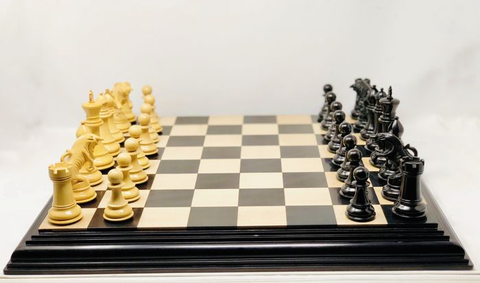Championship Chess with Deluxe Board - Wood-Ebony