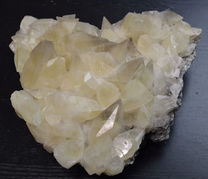 Calcite Mineral Collection - 26 x 25 x 110 cm - 5212 grammes