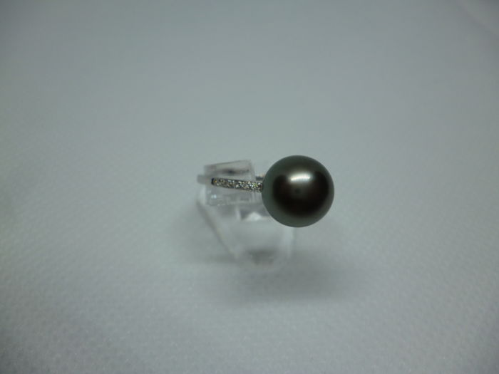 New 18 kt gold ring with Tahiti pearl + 8 diamonds - white gold, size 56