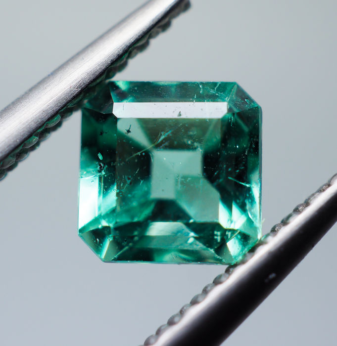 Emerald - 0.65 ct - No Reserve
