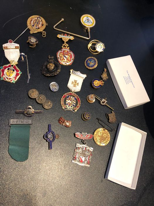 Masonic Pins medals - Group of 24 - Mixed metal - Catawiki