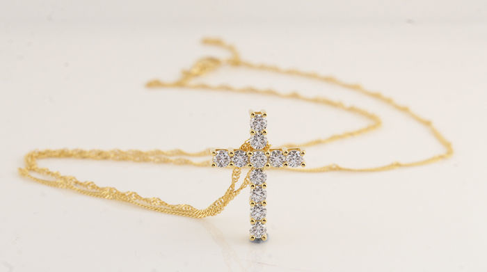 18 kt yellow-gold cross pendant with necklace with 11 round brilliant-cut diamonds of 1.00 ct / G-H VS-SI / 4.90 g, 21.5 x 15.5 x 5.5 mm