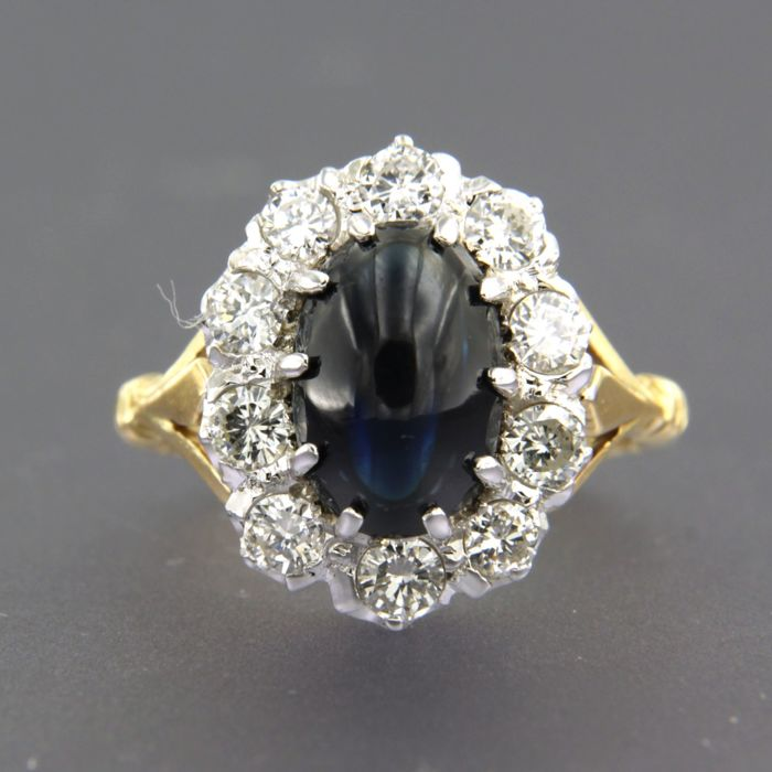 18 kt bicolour gold ring set with sapphire and brilliant cut diamonds - ring size 17 (53)