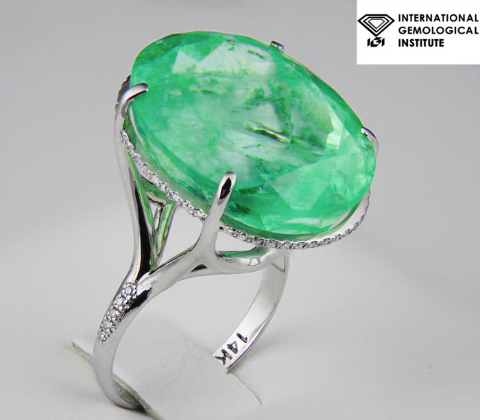 36.51 ct. Emerald And Diamonds Gold Ring. IGI Certified. Free resize.