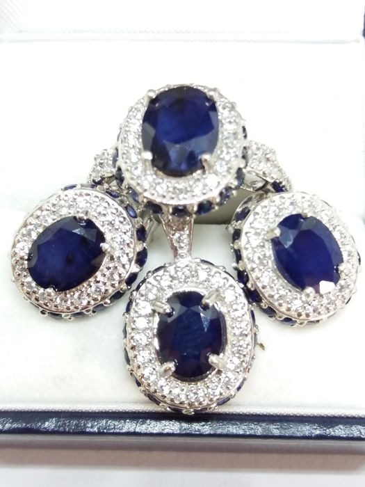 70s natural Sapphire ring, Sapphire Earrings and Sapphire Pendant Set. All matching. No reserve