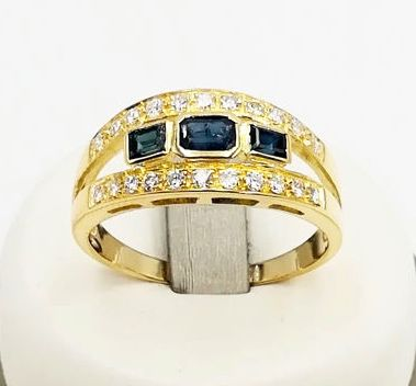 18 kt yellow gold band ring with 1.25 ct sapphires and 0.22 ct brilliant cut diamonds, colour G/VS, size 23 - No reserve