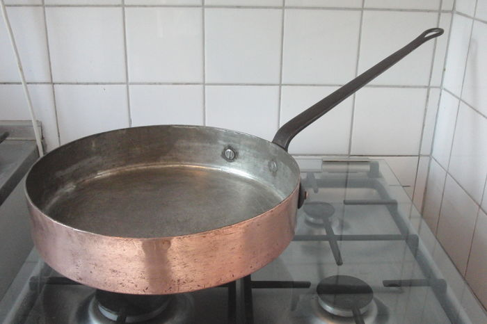 LEOPOLD - THOUNE rare large catering pan - 36 cm & 7.6 kg - copper