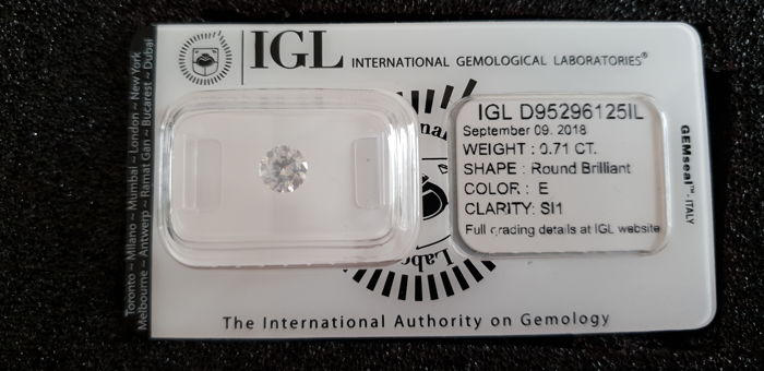 0.71 ct E color SI1 clarity IGL certified and sealed