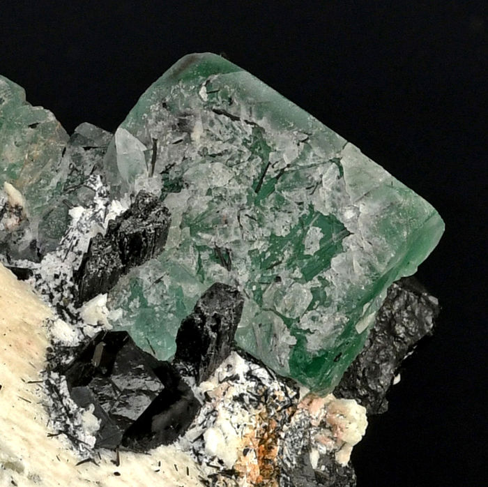 Rare association of green Fluorite and Shorl from Namibia - 7.8 x 7.1 x 4.4 cm - 218 g