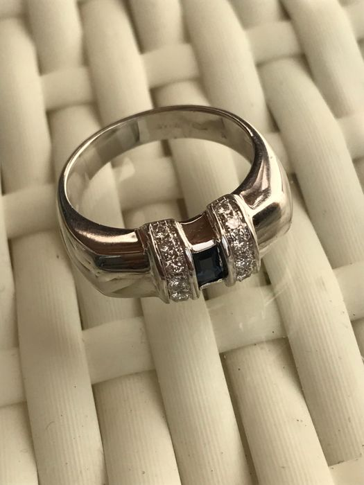 18 kt white gold women's ring, by Gianni Carità