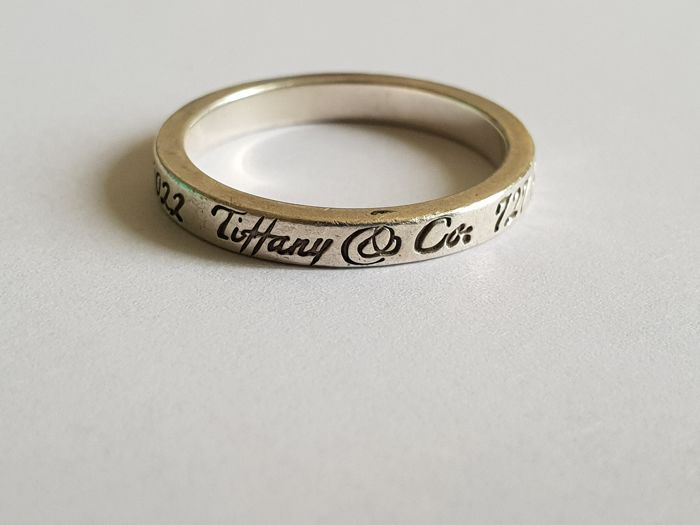TIFFANY & CO 925 solid silver ring with the adress of TIFFANY & CO   Inscripting ring size 53 (17 mm diameter)