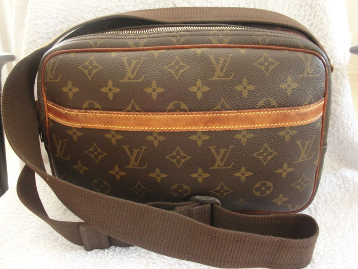 Louis Vuitton - Reporter PM Monogram Canvas Shoulder Bag